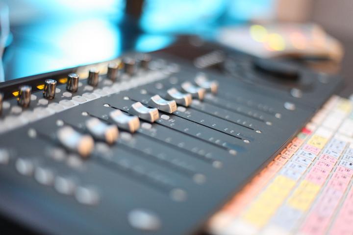 Z1S2 Studio Controller IMG_3353 720x480